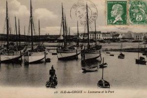 Locmaria : thoniers au mouillage