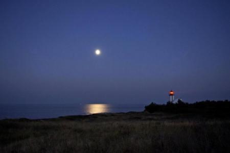 Phare des Chats au clair de lune, île de Groix